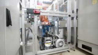 IVR_B_30_15_Me_Metalworking_Industry_Robot_Cage_app_1_CI15_300_dpi_jpg